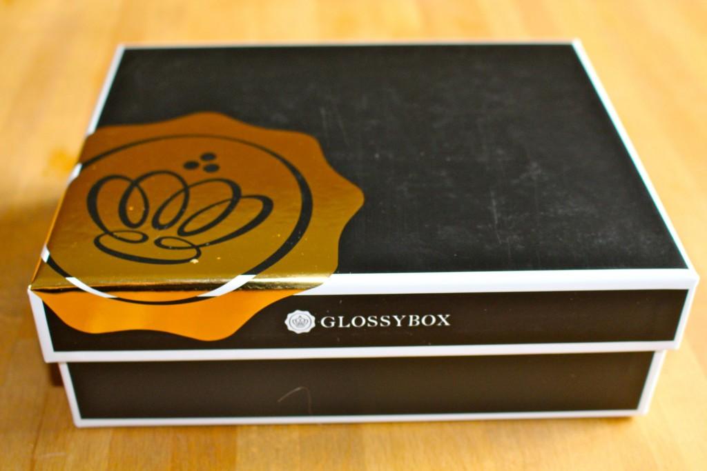 Goldenbox zu 1024x683 - GlossyBox GOLD Dezember 2013