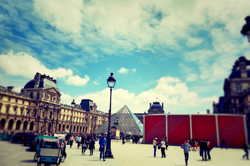 louvre weit - Wir waren dann mal in Paris