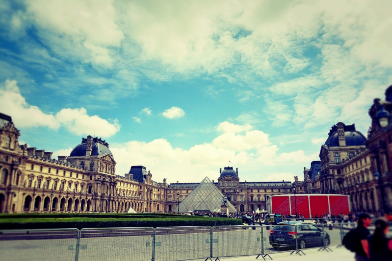 louvre weit 2 - Wir waren dann mal in Paris