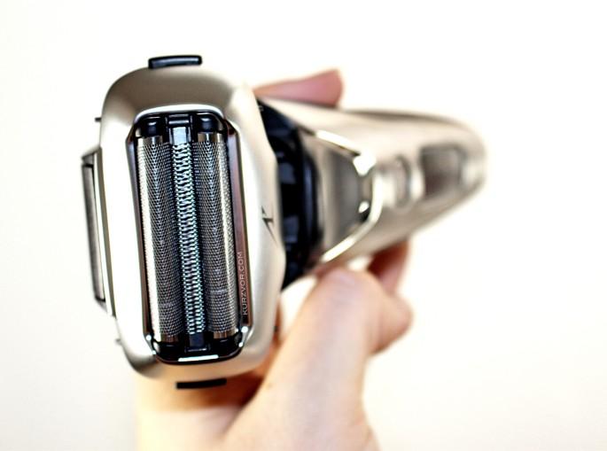 hand e1439117297975 - Panasonic ES-LT4N-S803 Rasierer