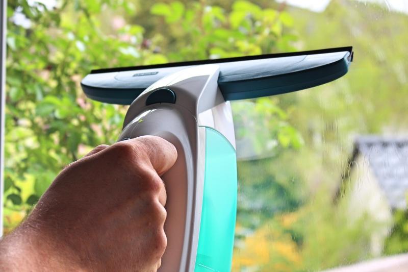 nah 1 - Leifheit Dry & Clean Fenstersauger