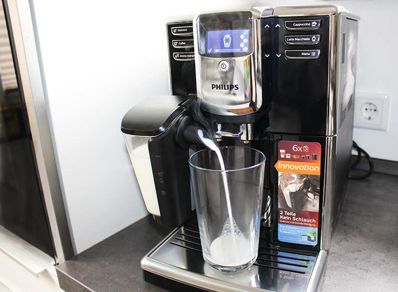 einlauf - Philips Kaffeevollautomat mit LatteGo