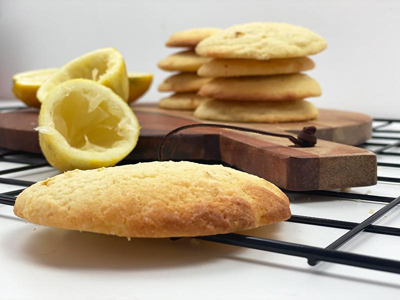 grau2 - Lemon Cookies - super saftige Zitronenkekse