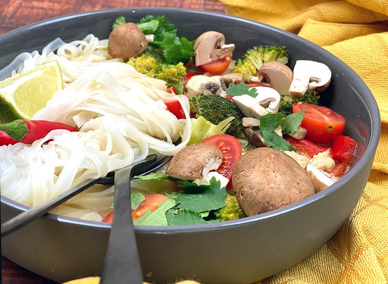 Thai Suppe close - Thai Nudelsuppe mit Wohlfühlfaktor