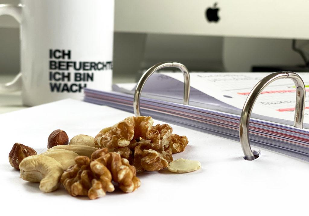 HomeOffice Nuss 1024x717 - Mehr Konzentration und Entspannung im HomeOffice
